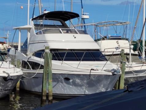 41′ – 2005 Carver 41 Cockpit Motor Yacht