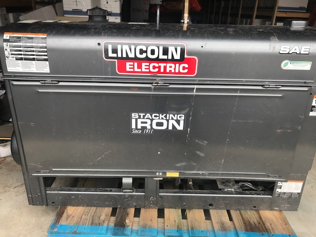 LINCOLN SAE 300 MP WELDER