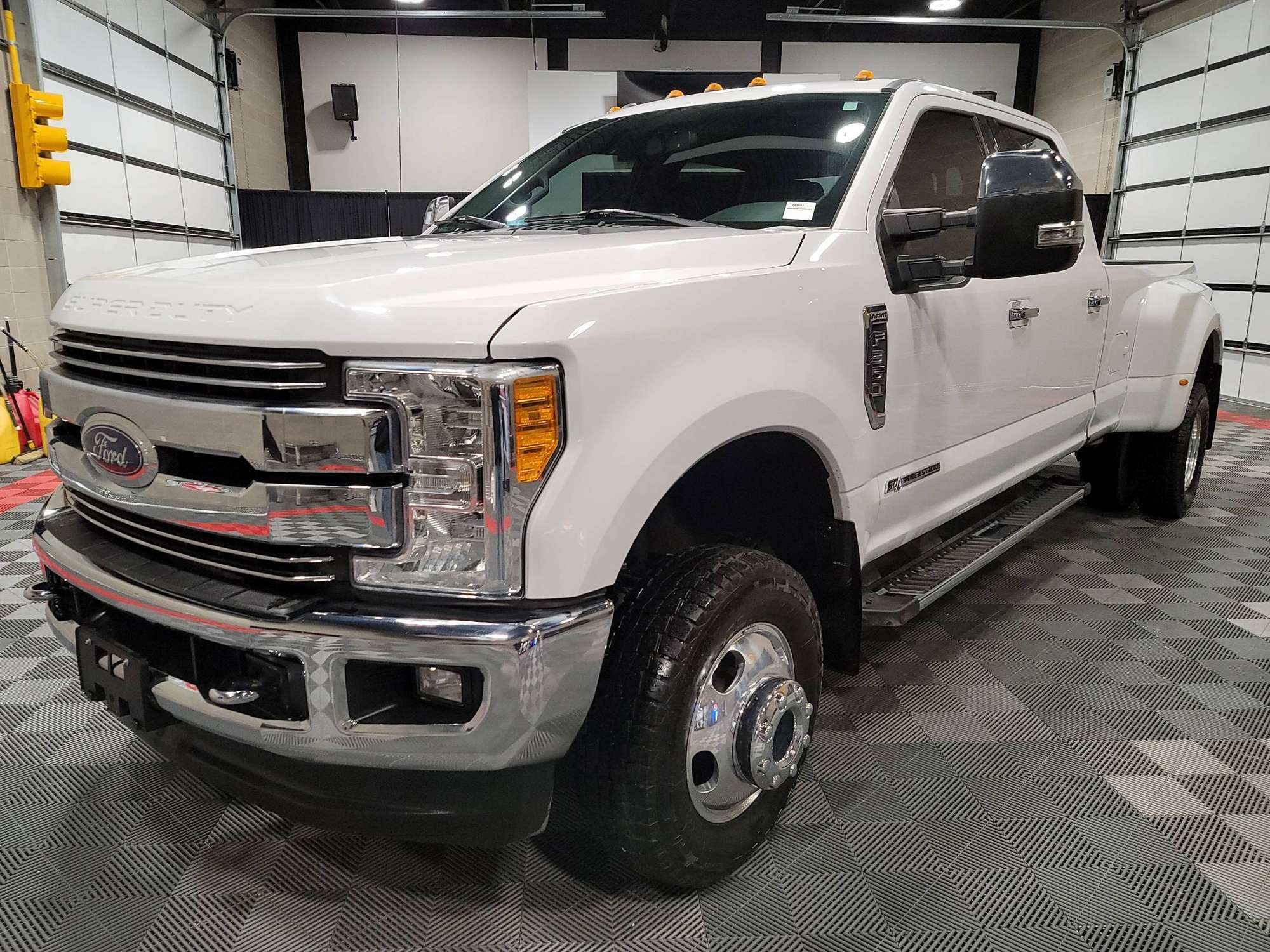 2017 Ford F350 Super Duty Lariat