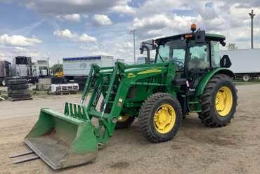 2014 John Deere 5100 E 4×4 Tractor with Loader Attachment