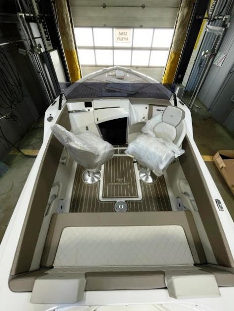18′ – 2021 D-Boat Diamond 550